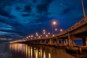 Sunrise of Penang bridge by fighteden