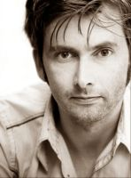 David Tennant by luthienanwamane