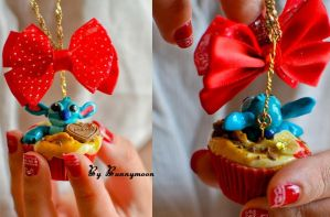 Stitch - banana strawberry cupcake polymer by Bunnymoon-Cosplay