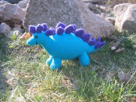 Esteve the Stegosaurus by craftyshanna