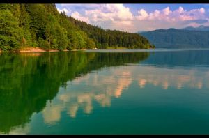 Dreamlake shoreline by sylaan