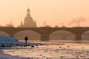 winterly city of Dresden by CRuS23