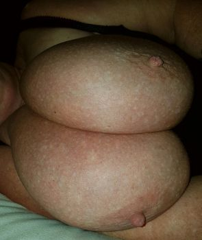 Deep cleavage.....breastsmother heaven. by Cleavage3