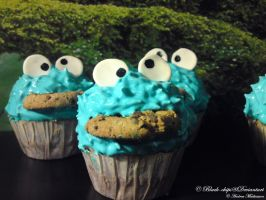 Cookie Monster Cupcakes by black-chips