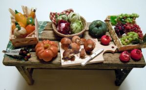 Miniature fall table by miniacquoline