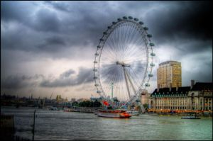 Eye of River Thames by fireoyster