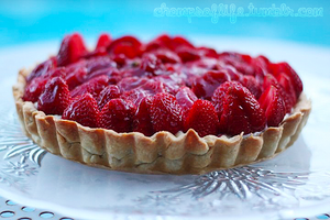 Strawberry Custard Tart by chompsoflife