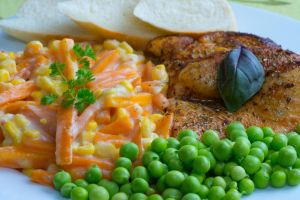 Chicken with vegetables II by SamanthaClara