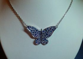 saphirs butterfly pendant by Debals