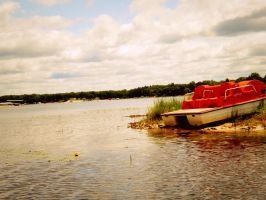 the old paddle-boat. by whendarknessfallsxx