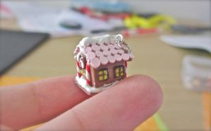 Miniature clay gingerbread house charm by gracelyt