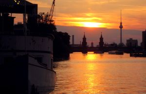 Sunset in Berlin by seanwendt