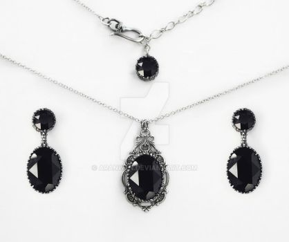 Black Gothic Jewelry Set by Aranwen
