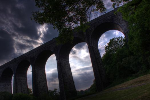 Porthkerry Viaduct by KalReesgar