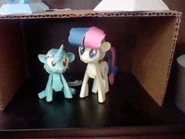 Lyra and Bon-Bon Papercraft by munkyface710