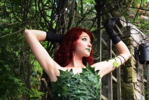 Poison Ivy - a Rose With Thorns by ThexDarkenedXLight