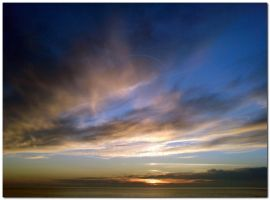Cloudy sunset by grosminet8006