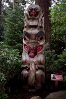 Totem Pole at Capilano Suspension Bridge by somethingzenzen
