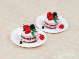 Cakes on plates by OrionaJewelry