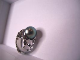 whirlpearl ring by Debals