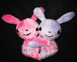 Valentine Bunnies - Free Pattern and Tutorial by StitchyGirl