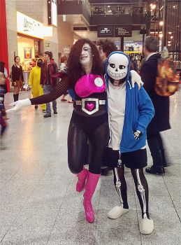 Sans and Mettaton Cosplay by mewchii