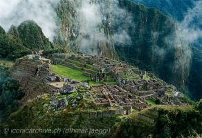 Machu Picchu by iconicarchive