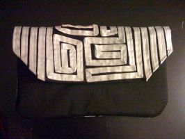 Black and White Clutch by EekBouteek