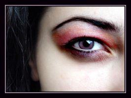 purple eye by anemonty