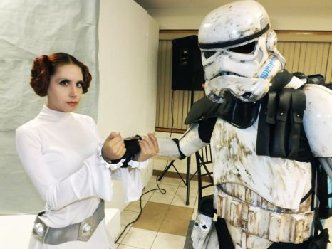 Princess Leia Cosplay by CherrySteam