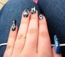 DR. WHO FINGERNAILS by CheetoDorito