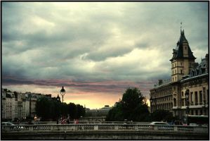 Sunset in Paris by baleze