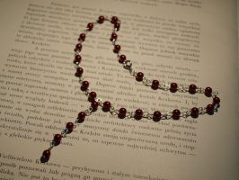 necklace red pearls by Sizhiven