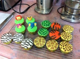 safari cupcakes by theycallmehoops