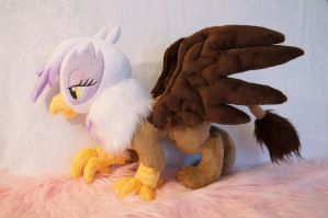 Gilda the griffon plush! by Fafatacle