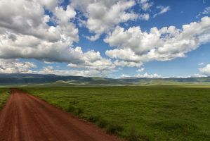 Ngorongoro crater road by SCHPONG