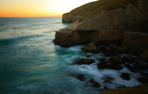 Tunnel beach by Rollwurst