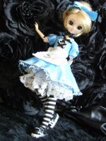 Alice in Wonderland +2 by minnilena