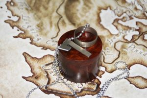 DSD: Rune pendant and ring by dcsnijders