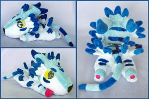 Floppy Garurumon by Patchwork-Shark