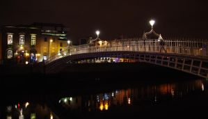 Ha'Penny Bridge by CleaLlyfr