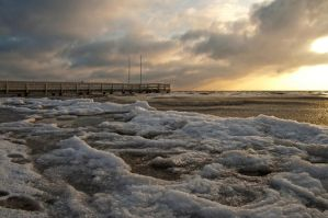 Ice Age at the small pier by Bull04