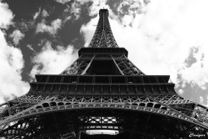 Paris - La Tour Eiffel by CRUELGERM