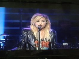 Demi lovato At we day 2013 by Musicislove12