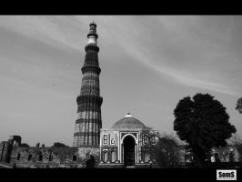 Qutub the tallest minaret by SomsThinking
