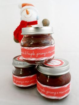 Strawberry, rose hips and ginseng jam by kivrin82