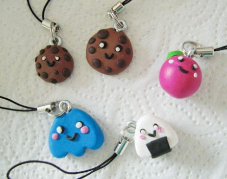 Cute Handy Charms by scaryta