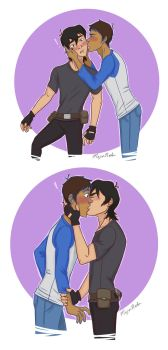 Klance Smooches by MajinNeda