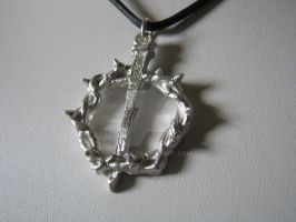 Crown of Thorns pendant by tk8247