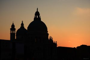 Sunset in Venezia I by LPeregrinus